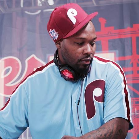 DJ Aktive performing on RANE TWELVES